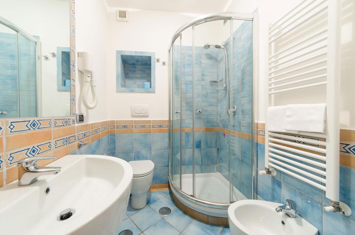 foto bagni moderni piccoli | sweetwaterrescue - Piccoli Bagni Moderni